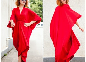 Paint the town red with this maxi dress from Teyxo