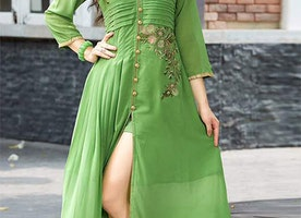 Modish Green Western Style Bollywood Kurti Decked With V Neck