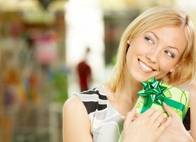 Shopping for the Best Gifts for Her