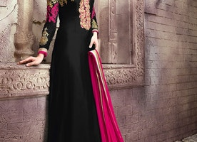 ARRESTING PATCH BORDER WORK PAKISTANI SALWAR KAMEEZ