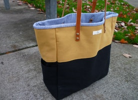 Perfect fall tote