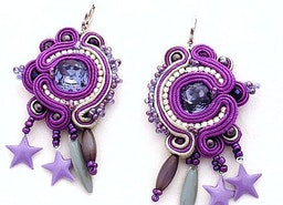 glam rock dangling clip on earrings , ultra violet pantone color of the year 2018 jewelry trends