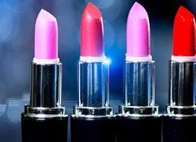 MAC Lipstick Giveaway!