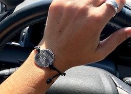 Custom adjustable bracelet