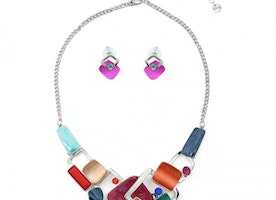Overlapping Shapes Necklace Set