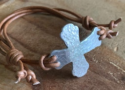 Sideways cross adjustable bracelet