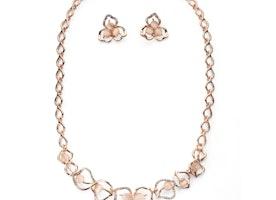 Textured Flower Petal Necklace Set