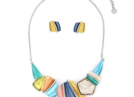 Textured Pieces & Stone Necklace Set