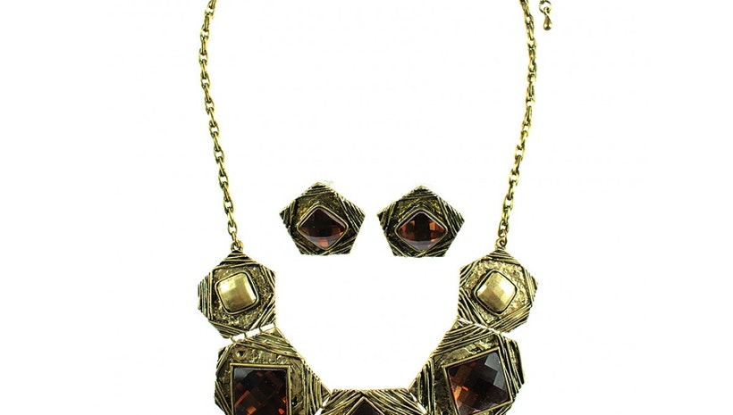 Pentagon Shield Shaped Necklace Set - Gold