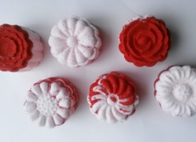 Moon Cake Flower Bouquet Bath Bomb Set
