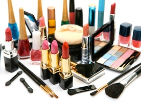 Things To Know Before Buying Cosmetics Online