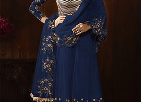 Good Looking And Extra Ordinary Anarkali Suit For Charming Look