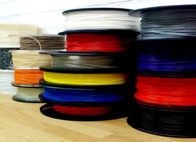 Are you trying to choose the right type of 3D filament? This will help!