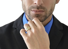 Improve your style using Mens Jewelry!