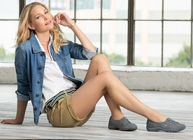Find Exclusive and Modern Footwear for Women Online