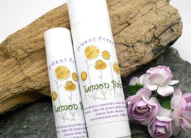 Lemon Balm - Natural lip care for dry lips and cold sores