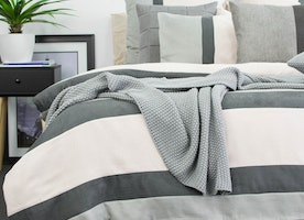 How to fold quilt cover ?