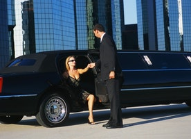 Top 10 reasons to Hire a Limo Rental Service
