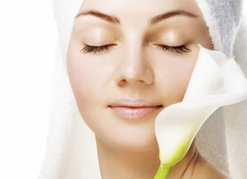 Reach out the right skin care source to attain the right treatment