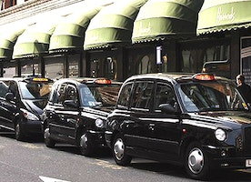 Why Private Hire Minicab Services Are Better Than Public Ones