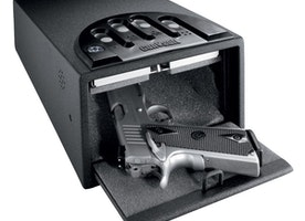 Reason to have a safe - Feature of a good car gun safe