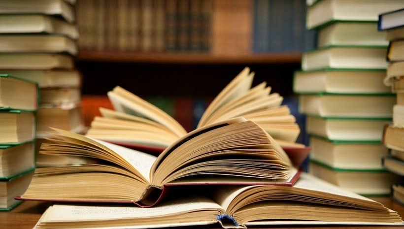 5 Books Every Leader Should Read