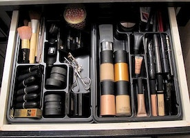 Clean Your Makeup Bag: When to Replace Your Favorite Cosmetic Items