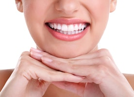 3 Remedies To Whiten Stained Yellow Teeth