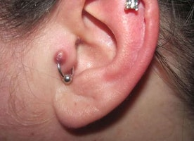 10 Tips On How To Take Care Of Your Tragus Piercing