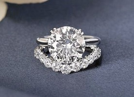 Incredible Harry Winston Engagement Rings