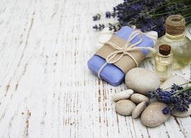 10 Reasons to Choose Handmade Jewellery