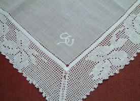 Free shipping /Vintage Hankie/Antique Lace Handkerchief/ Crochet Hankie/ Bridal Handkerchief/ Wedding Hankies/ Wedding Handkerchiefs