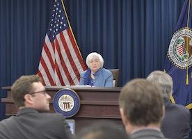 Cable struggles hard to retain its bullish steam ahead of FOMC