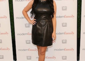 Modern Family Actress Opens Up About Breast Reduction Surgery