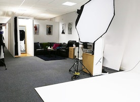 What Makes A Photo Studio For Hire Truly Remarkable?