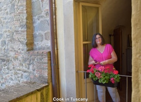 Linda hanging out in Cortona