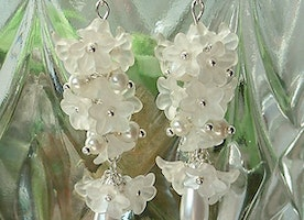 flower earrings, white earrings, white flowers, jewelry, accessories, white, gift/Hyacinths flowers /dangle earrings