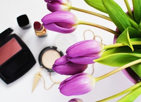 Your Guide to Non-Toxic Skincare and Makeup