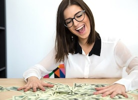 Top 7 Ways to Make $1200 Extra or More Each Month Especially for Stay At Home Moms