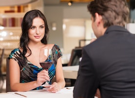7 Ways To Achieve The Perfect First Date Look