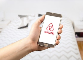 A Simple Guide on How to Earn Money while Traveling with Airbnb?