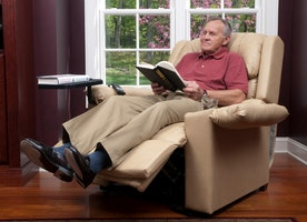 5 Benefits of Sleeping in a Recliner Chair