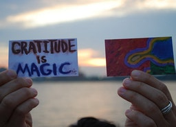 8 Easy Ways To Practice Gratitude Everyday
