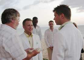 Same Sex Marriage In Hawaii: The Gay Way To Get Things Legal!