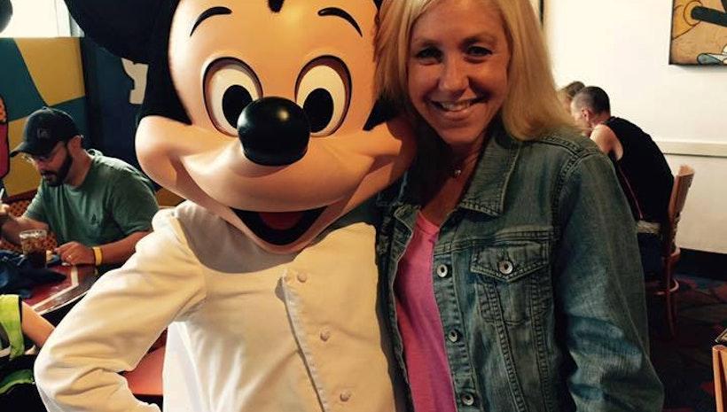 Founder of MickeyTravels, Elyssa Antonelle, Shares Her Struggles as an Entrepreneur