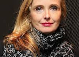 Julie Delpy Thinks Blackness Is Easier Than Womanhood - Thoughts From A Black Woman