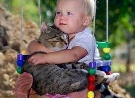 Top 16 Photos of Babies and Their Pets