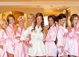 All about satin robes of bridesmaid
