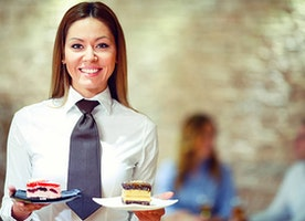 4 Reasons Everyone Should Work in Food Service At Least Once In Their Life