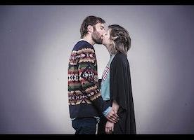 יהודים וערבים מתנשקים   Jews & Arabs Kiss   عرب ويهود يتباوسو